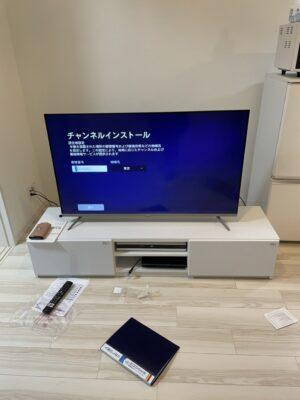【組立】テレビボードの組み立て・照明の取付けを行いました!